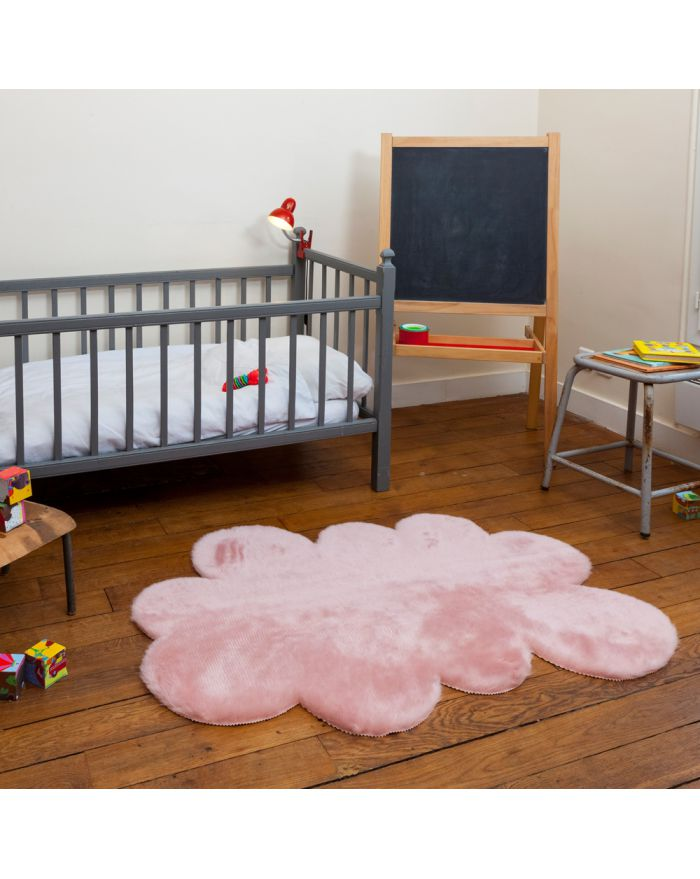 tapis enfant en fausse fourrure d coration chambre enfants. Black Bedroom Furniture Sets. Home Design Ideas