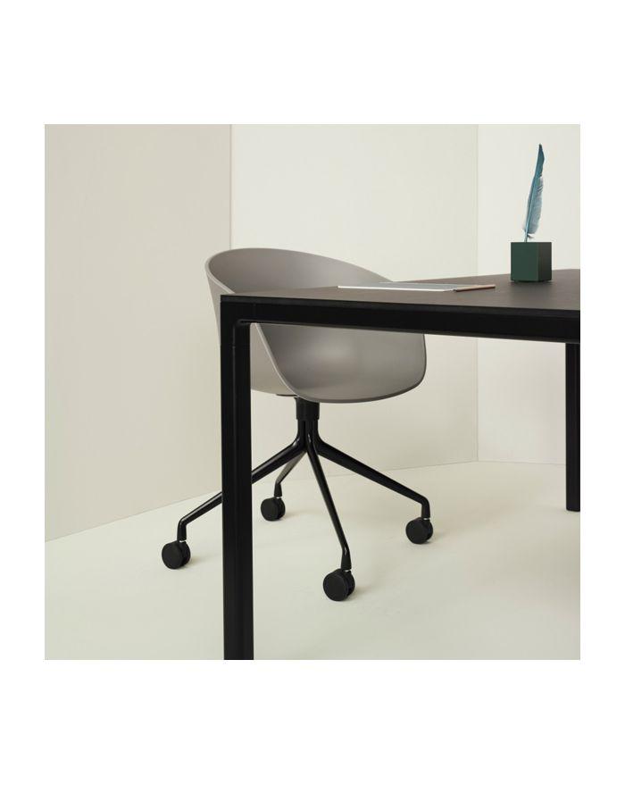 hay aac24 25 chaise et mobilier design pour int rieur contemporain. Black Bedroom Furniture Sets. Home Design Ideas