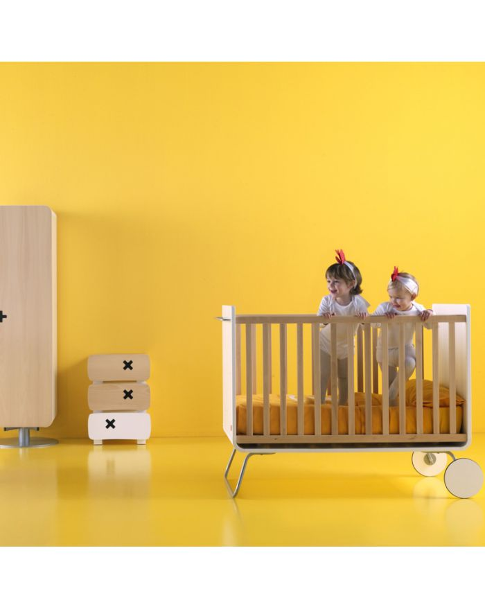 be be cot lit b b volutif design devenant bureau barreaux fixes kids love design. Black Bedroom Furniture Sets. Home Design Ideas