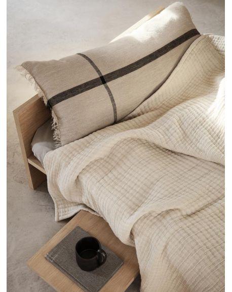 FERM LIVING - Coussin - Calm Cushion 40x90 cm - Camel/Noir